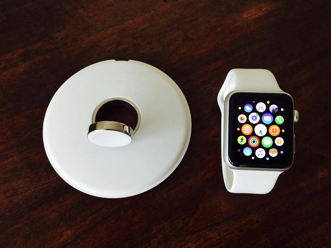 Les montres connectées avec téléphones.
